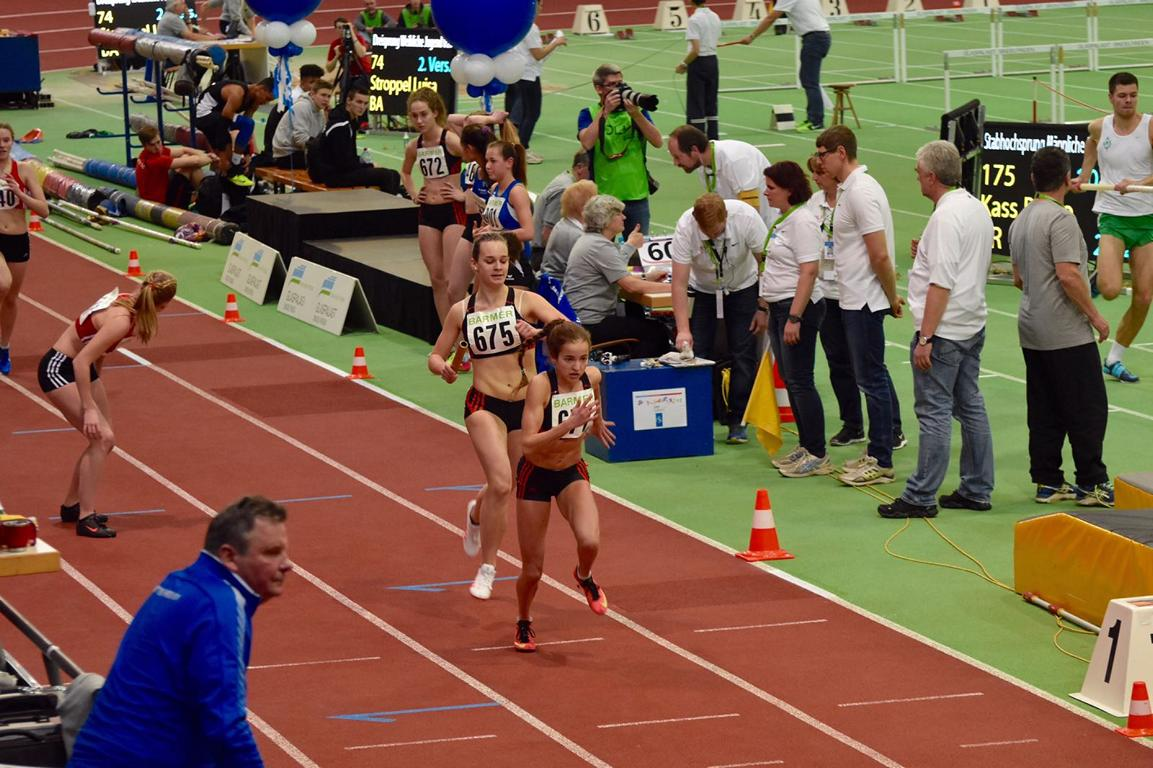 Paula Preuße und Lea Rink LAZ SAAR 05 Saarbrücken 4x200 m Staffel Sindelfingen