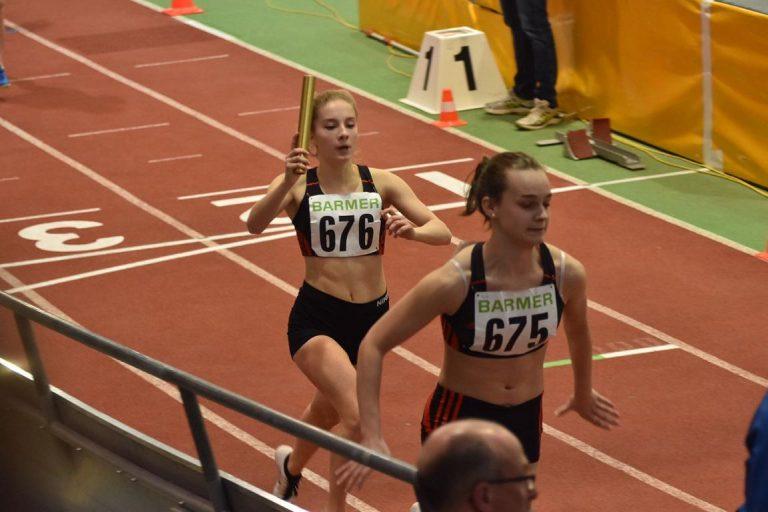 Anna Rausch und Paula Preuße LAZ SAAR 05 Saarbrücken 4x200 m Staffel Sindelfingen