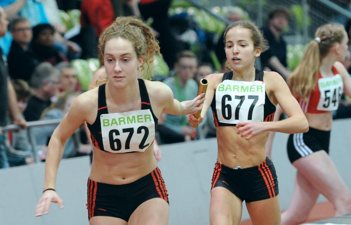 Teresa Bubel und Lea Rink LAZ SAAR 05 Saarbrücken 4x200 m Staffel Sindelfingen